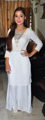 Sara Khan Eid celebration on 7th July 2016 (8)_577e5f25c3243.JPG