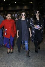 Alia Bhatt snapped at airport on 7th July 2016