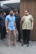Riteish Deshmukh, Ramesh Taurani at Salman Khan_s Eid celebration on 7th July 2016 (39)_577fb5567607a.JPG