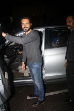 Emraan Hashmi snapped in BKC for dinner on 8th July 2016 (3)_57806d7c5a53e.JPG