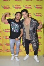 Varun Dhawan and Raftaar at Radio Mirchi studio for Dishoom on 8th July 2016(5)_5781069ceb767.JPG