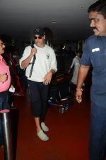 Akshay Kumar returns from holidays in Mumbai on 10th July 2016