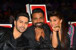 Varun Dhawan, Jacqueline Fernandez promote Dishoom on the sets of Dance 2 plus on 11th July 2016 (20)_5783d0e463332.jpg
