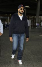 Abhishek Bachchan snapped at the airport on 12th July 2016 (20)_5784bba6e81a6.JPG