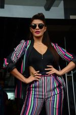 Jacqueline Fernandez promote Dishoom on the sets of Dance 2 plus on 11th July 2016 (4)_5784757a1219c.JPG