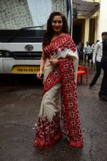 Madhuri Dixit snapped on  the sets of So You Think you can dance on 12th July 2016 (25)_5785316323393.JPG