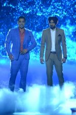 Shoaib Akhtar and Harbhajan Singh on the sets of Life Ok new show Mazak Mazak Me promo shoot on 11th July 2016 (15)_578476472a7b3.JPG
