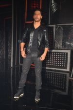 Varun Dhawan promote Dishoom on the sets of Dance 2 plus on 11th July 2016 (59)_5784760c09e10.JPG