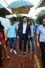 Varun Dhawan promote Dishoom on the sets of Dance 2 plus on 11th July 2016 (62)_5784760f6bd24.JPG