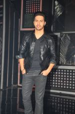 Varun Dhawan promote Dishoom on the sets of Dance 2 plus on 11th July 2016 (73)_57847616e3070.JPG