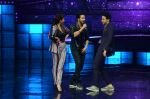 Varun Dhawan, Jacqueline Fernandez promote Dishoom on the sets of Dance 2 plus on 11th July 2016 (39)_5784761a81120.JPG