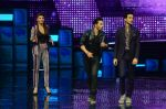 Varun Dhawan, Jacqueline Fernandez promote Dishoom on the sets of Dance 2 plus on 11th July 2016 (41)_5784761b16031.JPG