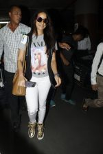 Shraddha Kapoor snapped at airport on 12th July 2016 (1)_5785b7cccefda.JPG