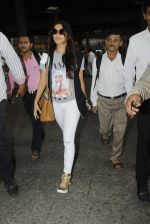 Shraddha Kapoor snapped at airport on 12th July 2016 (7)_5785b7d97e5bf.JPG