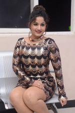 Madhavi Latha (60)_5787cd6208ebb.jpg