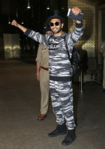 Ranveer Singh arrives in Mumbai airport on 14th July 2016
