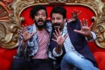 Vivek Oberoi, Riteish Deshmukh, Urvashi Rautela promote Great Grand Masti on the sets of Comedy Nights Bachao  (8)_57873e0f110eb.JPG