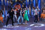 Vivek Oberoi, Riteish Deshmukh, Urvashi Rautela promote Great Grand Masti on the sets of Comedy Nights Bachao  (9)_57873de641679.JPG