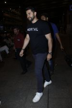 Aftab Shivdasani snapped at airport  on 14th July 2016 (14)_57886461ee16f.JPG