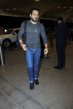 Emraan Hashmi snapped in Mumbai on 14th July 2016 (6)_5788645a7c6bf.JPG