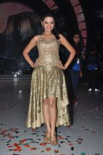 Helly Shah on the sets of Jhalak Dikhla Jaa 9 in Mumbai on 15th July 2016 (83)_578937e02aede.JPG