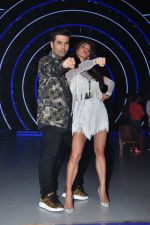 Jacqueline Fernandez, Karan Johar on the sets of Jhalak Dikhla Jaa 9 in Mumbai on 15th July 2016