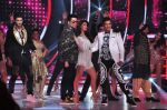 Jacqueline Fernandez, Karan Johar, Ganesh Hegde on the sets of Jhalak Dikhla Jaa 9 in Mumbai on 15th July 2016