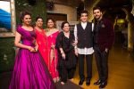 Jeetendra and Shobha Kapoor with Divyanka Tripathi and Vivek Dahiya and their mother at Divyanka-Vivek_s Happily Ever After Party in Mumbai on 14th july 2016 _5789244d6b598.jpg