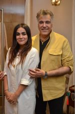 Kichu Dandiya and Abu Jani at the launch of FANTASTIQUE by Abu Sandeep on 15th July 2016 (33)_57892a0e9cefa.JPG