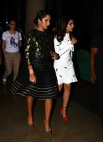 Parineeti Chopra launches Sania Mirza_s book on 15th July 2016 (2)_578930eda273a.jpg
