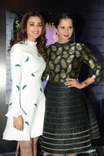 Parineeti Chopra launches Sania Mirza_s book on 15th July 2016 (24)_578930f3c4bfa.jpg