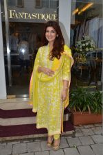 Twinkle Khanna at the launch of FANTASTIQUE by Abu Sandeep on 15th July 2016 (19)_57892a7c0a004.JPG