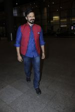 Vivek Oberoi snapped at airport on 14th July 2016-1(14)_578882e7a512d.JPG