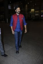 Vivek Oberoi snapped at airport on 14th July 2016-1(15)_578882e88ca2b.JPG