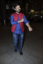 Vivek Oberoi snapped at airport on 14th July 2016-1(17)_578882ea39edc.JPG