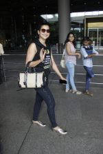 Gauhar Khan snapped at Mumbai airport on 17th July 2016