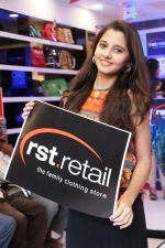 Preity Asrani at the launch of designer collection for families & Exclusive Offers at RST-Retail in Tirmulgherry, Secunderabad on 17th July 2016(5)_578c6b2c1a59e.JPG