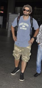 Ali Fazal snapped at airport on 18th July 2016 (2)_578d9b4c3388b.JPG