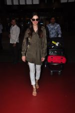 Evelyn Sharma snapped at airport on 18th July 2016 (6)_578dc2af28118.JPG