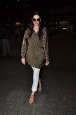 Evelyn Sharma snapped at airport on 18th July 2016 (9)_578dc2b3009a3.JPG