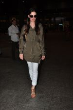 Evelyn Sharma snapped at airport on 18th July 2016