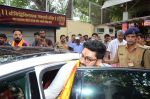 Abhishek Bachchan visits Siddhivinayak Temple, Mumbai on July 20, 2016 (15)_578fb3a21978b.JPG