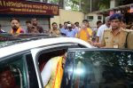 Abhishek Bachchan visits Siddhivinayak Temple, Mumbai on July 20, 2016 (16)_578fb3a408295.JPG