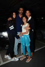 Arjun Rampal, Mehr Jessia snapped at airport on 19th July 2016 (49)_578f14576c372.JPG
