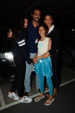 Arjun Rampal, Mehr Jessia snapped at airport on 19th July 2016 (50)_578f1459212e5.JPG