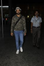 Farhan Akhtar snapped at airport on 19th July 2016 (11)_578f146e2b7c9.JPG