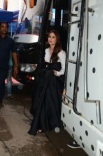 Kareena Kapoor Khan is snapped at shooting for an advertisement in Mumbai on July 20, 2016 (4)_578fa3d98d519.jpg