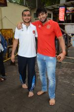 Puneri Paltan visits Siddhivinayak Temple, Mumbai on July 20, 2016 (1)_578fb366db122.JPG