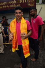 Puneri Paltan visits Siddhivinayak Temple, Mumbai on July 20, 2016 (12)_578fb281b7cf2.JPG