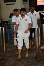 Puneri Paltan visits Siddhivinayak Temple, Mumbai on July 20, 2016 (15)_578fb29189bce.JPG